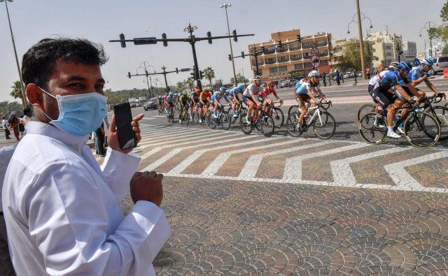 Zaradi koronavirusa so odpovedali Dirko po Emiratih. FOTO: Giuseppe Cacace/AFP