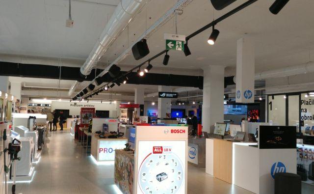 Spletna fizična prodajalna Mimovrste, prva v regiji. FOTO Božena Križnik/Delo