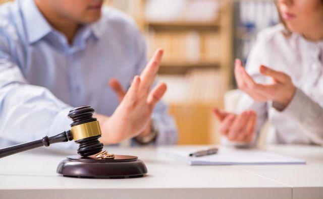 Primer bi lahko imel velike posledice tudi v prihodnjih ločitvah, v katerih se partner odpove karieri v dobro družine. FOTO: Shutterstock