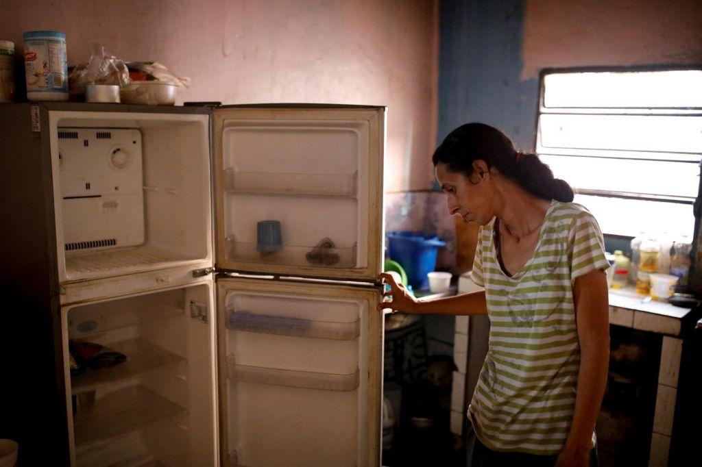 FOTO:Zaradi krize številne matere oddajo ali zapustijo svoje dojenčke