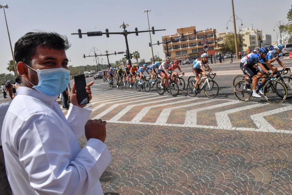 FOTO:Zaradi koronavirusa odpovedali dirko po Emiratih