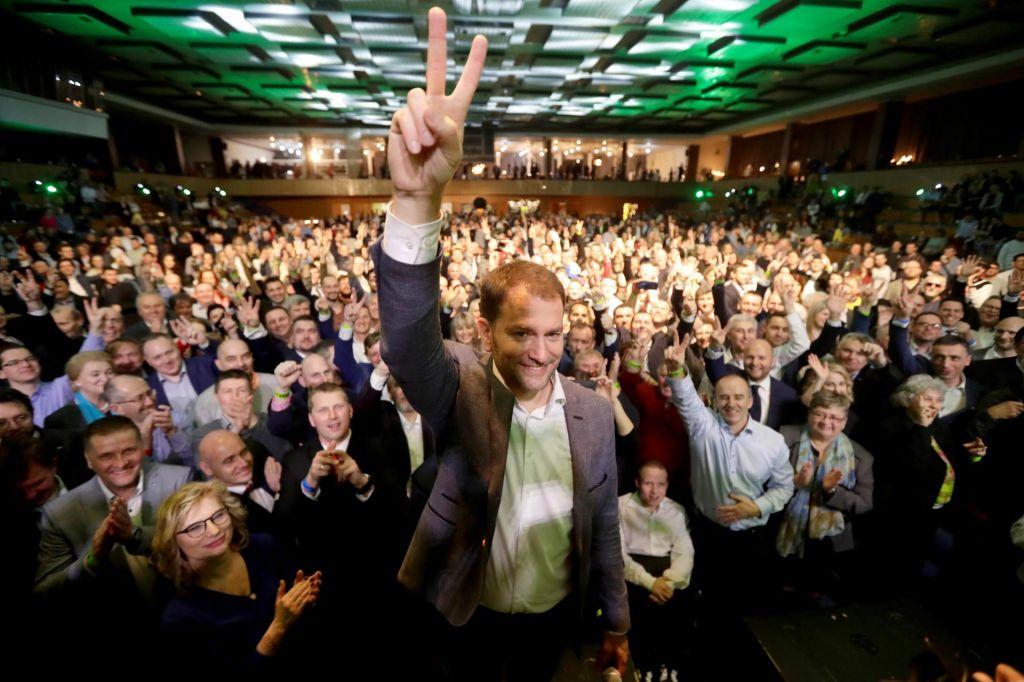 Po vzporednih volitvah v vodstvu opozicijska stranka Olano