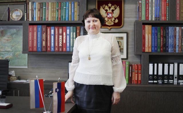 »Na razstavi <em>Car in zdravnik</em><em> </em>predstavljamo življenje slovenskega zdravnika Gregorja Voglarja, ki je bil osebni zdravnik carja Petra I.,« je povedala Marina Guskova. FOTO: Leon Vidic