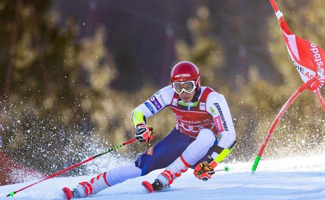 Žan Kranjec si je po lepem izhodišču s prve proge pokvaril tekmo in po 13. mestu zdrsnil z vrha veleslalomske razvrstitve sezone. FOTO: AFP