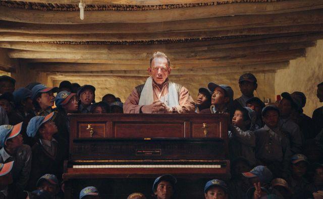 Desmond O'Keefe v Lingshedu, kamor je odpotoval s klavirjem vred. FOTO: Jarek Kotomski