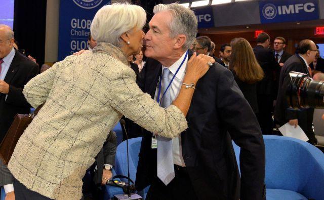 Predsednica ECB Christine Lagarde in šef ameriških Federal Reserve Jerome Powell bosta morala v prihodnjih tednih najti ukrepe za podporo gospodarstvu, ki je na udaru koronavirusa. Foto Mike Theiler Reuters