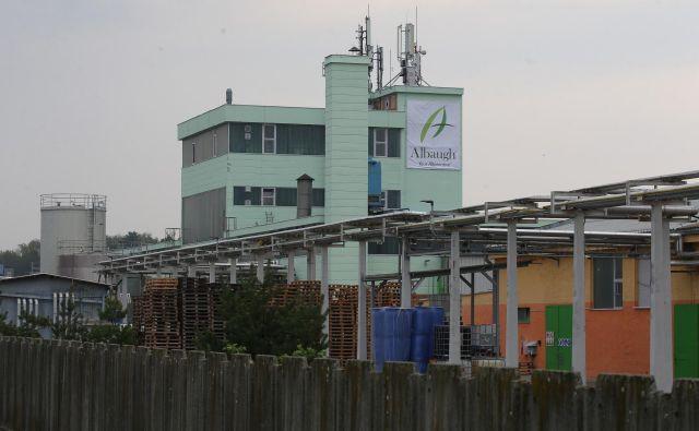 Albaugh: je bolj sporna proizvodnja glifosata ali sežig nevarnih odpadkov? Foto Tadej Regent/delo