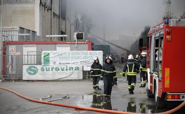 Požarov, kot je bil v Surovini, se ne da popolnoma preprečiti. FOTO: Uroš Hočevar/Delo