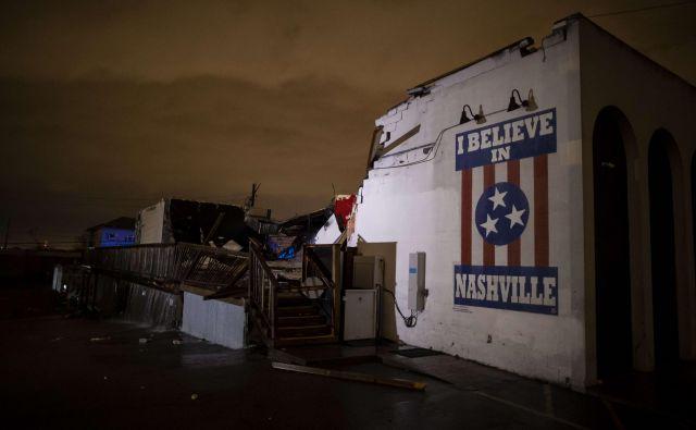 Neurje je Nashville doseglo nekaj po polnoči po tamkajšnjem času. FOTO: Brett Carlsen/AFP