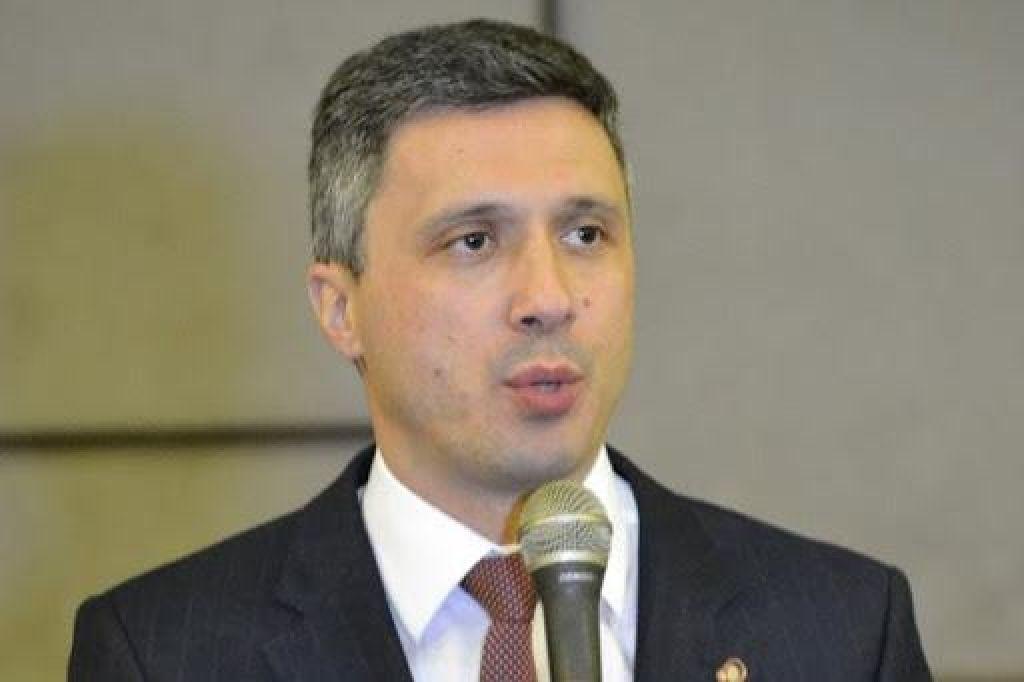 Opozicijski poslanec zaradi migrantov pozval na puč