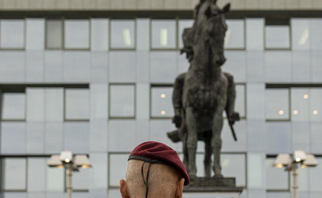 Kje bomo dobili dodatnih deset odstotkov vojaškega proračuna za prehod od prostovoljnega k obveznemu služenju? FOTO: Voranc Vogel/Delo