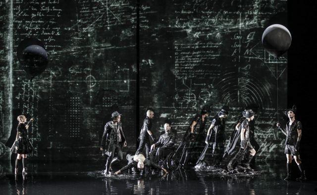 Pandurjev Faust na odru SNG Drame. FOTO: Aljosa*rebolj