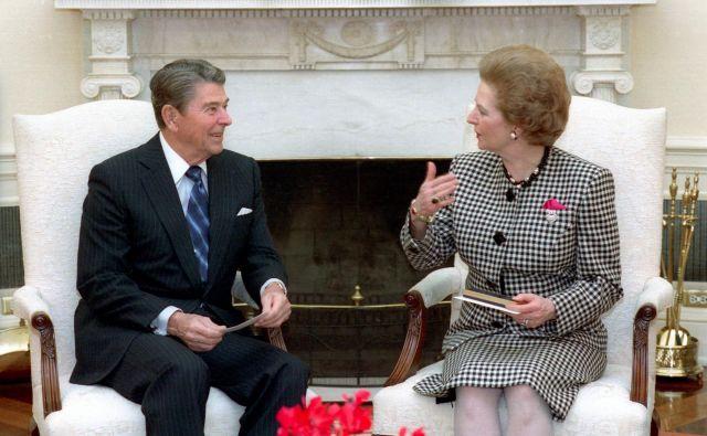 Leta 1988 z ameriškim predsednikom Ronaldom Reaganom v Ovalni pisarni Bele hiše Foto Wikipedija