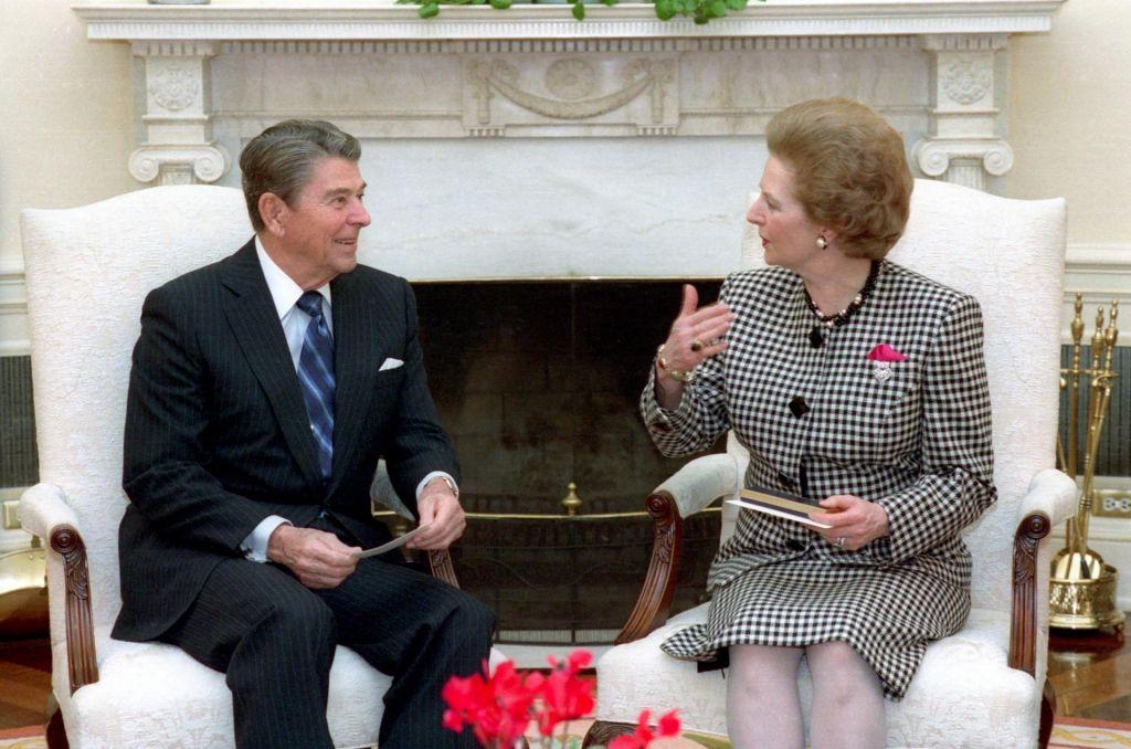 FOTO:Pink chanel gorbachev iz garderobe Margaret Thatcher