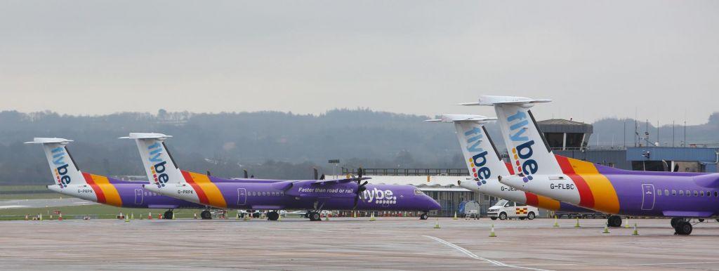 FOTO:V letalski panogi virus, v Adrii Airways revizorji