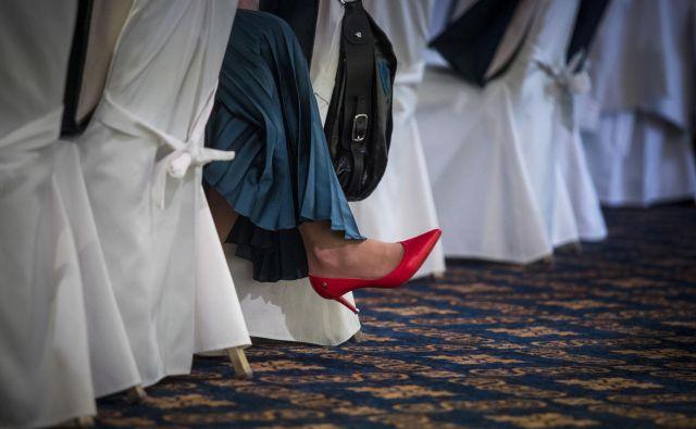 Dr. Lucija Mulej: »Mar je vsak moški, ki opazi lepe ženske noge, 'spolni predator'«? FOTO: Voranc Vogel/Delo