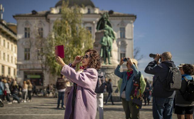 Strah pred virusom je hudo prizadel zlasti turizem. FOTO: Voranc Vogel