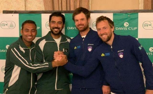 V Islamabadu je vreme prekrižalo račune teniškim igralcem Pakistana in Slovenije. FOTO: Teniška zveza Slovenije