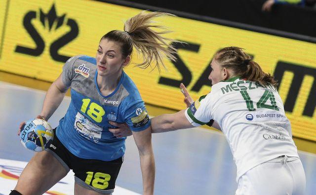 Nina Zulić je bila prva strelka tekme z 10 goli. FOTO: Jože Suhadolnik