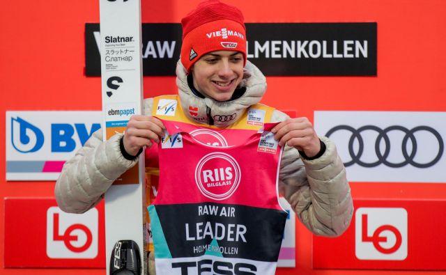 Nemški smučarski skakalec Constantin Schmid presenetljivo vodi v seštevku norveške turneje Raw Air. FOTO: Reuters