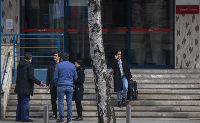 Zaradi koronavirusa so odpadla predavanja na fakulteti za arhitekturo in pravni fakulteti, odpovedana so predavanja na filozofski fakulteti. FOTO: Voranc Vogel