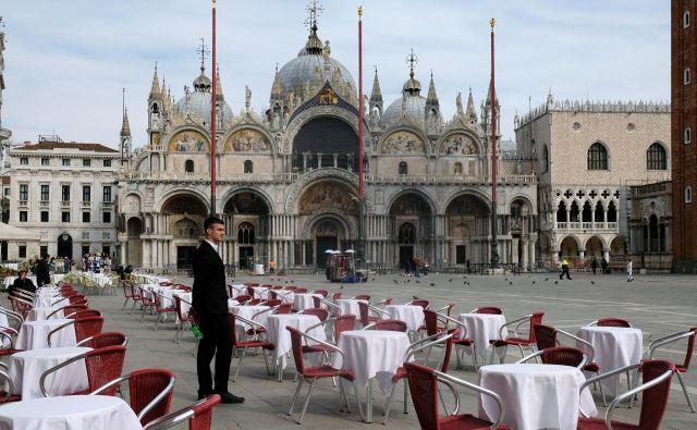 Prizor s trga Svetega Marka v Benetkah dan zatem, ko je v veljavo stopila karantena. Foto: REUTERS/Manuel Silvestri