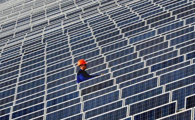 Sončna elektrarna, postavljena na polotoku Krim. Foto Viktor Drachev Afp
