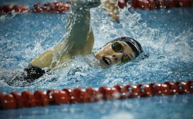 Tjaša Oder, edina slovenska plavalka z olimpijsko normo, bo pogrešala miting na domačih Ravnah. FOTO: Uroš Hočevar/Delo