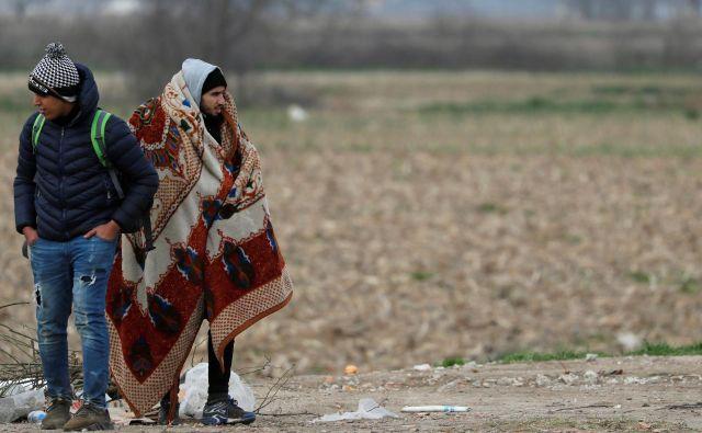 Migranta na grško-turški meji. FOTO: Murad Sezer/Reuters