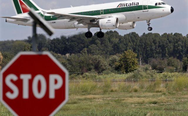 Potnike z italijanskih letališč zavračajo. FOTO: Max Rossi/Reuters