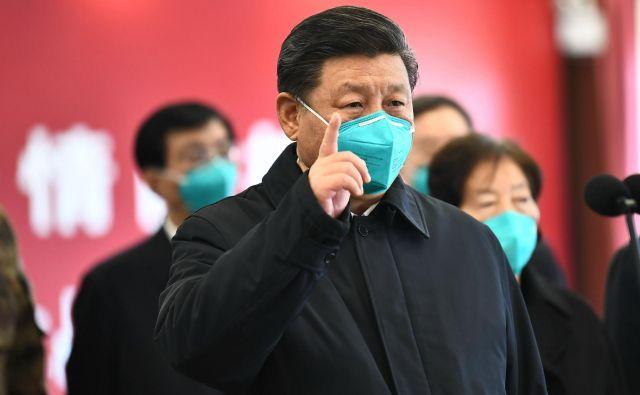 Kitajski predsednik Xi Jinping je v torek obiskal Wuhan. FOTO: AFP