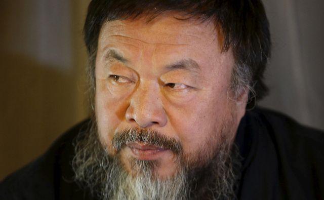 »Kitajska je zelo bolna, a problemi so veliko globlji od koronavirusa,« je zapisal Ai Weiwei. Foto Reuters