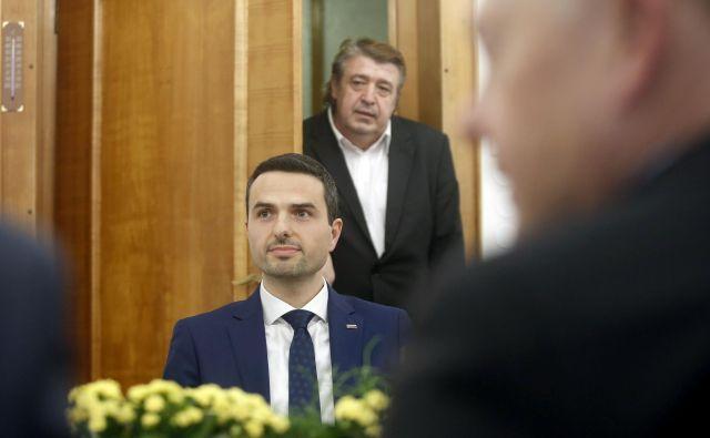 Tonin je obljubil, da bo poskrbel, da bodo odnosi ministrstva za obrambo s parlamentom še naprej dobri. FOTO: Blaž Samec/Delo