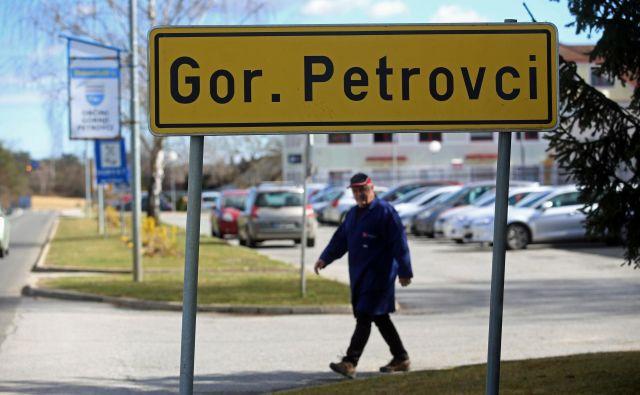 Dolg na prebivalca Gornjih Petrovec že presega dva tisočaka. FOTO: Tadej Regent/Delo