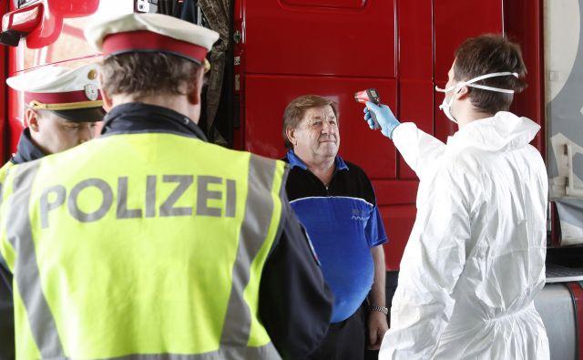 Avstrija na svojih mejah z Italijo izvaja zdravstvene preglede ljudi, ki prihajajo iz sosednje države. Foto: Afp