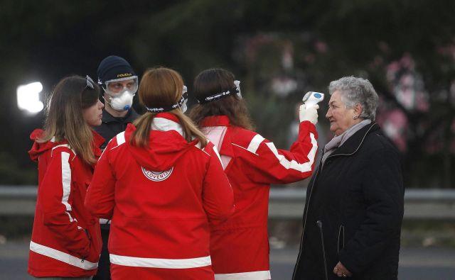 139 Na meji z Italijo so zpolicisti in zdravstveni delavci zaÄŤeli z preventivno kontrolo vstopa italijanskih drĹľavljanov v Slovenijo 11.03.2020 Foto 10 BlaĹľ Samec Delo