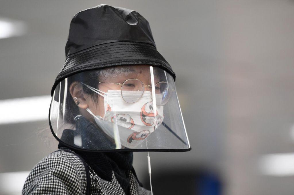 WHO izbruh novega koronavirusa razglasila za pandemijo