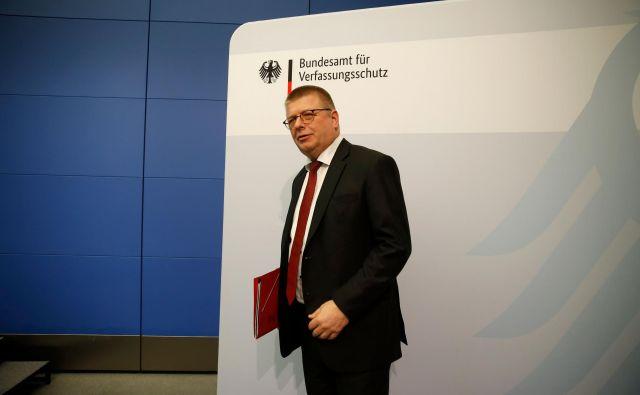 Predsednik nemške notranjeobveščevalne službe Thomas Haldenwang je Krilo AfD razglasil za ekstremno desno in kot tako nevarno za demokracijo. Foto: Afp