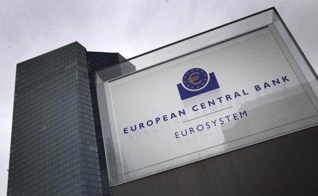 ECB se je v prvem paketu ukrepov osredotočila na zagotavljanje likvidnostne podpore, ni pa se odločila za dodatno znižanje ključnih obrestnih mer. FOTO: Daniel Roland/AFP