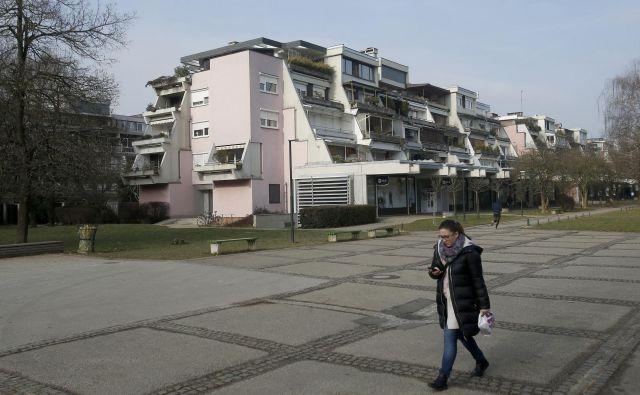 V Kosezah je v soseski 34 terasastih blokov. FOTO: Blaž Samec/Delo