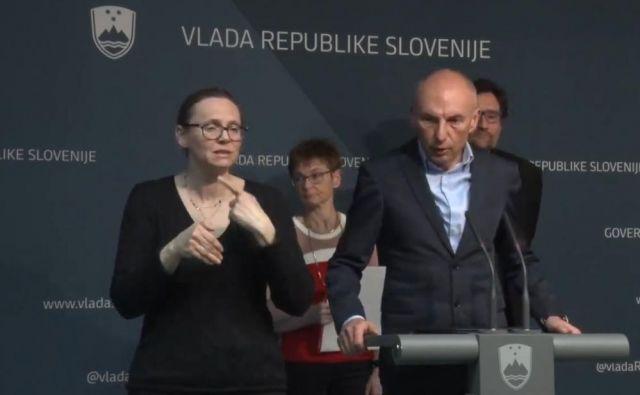 Aleš Šabeder: Od ponedeljka bodo v vseh bolnišnicah odpovedani vsi specialistični pregledi, operativni posegi, razen tistih stopnje nujno in zelo hitro. FOTO: Zajem Zaslona