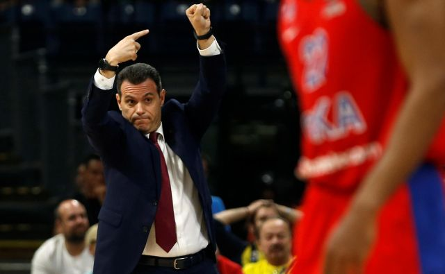 Basketball - EuroLeague Final Four Semi Final A - CSKA Moscow vs Real Madrid - ?Stark Arena?, Belgrade, Serbia - May 18, 2018 CSKA Moscow coach Dimitrios Itoudis gestures REUTERS/Alkis Konstantinidis - RC1BAFF11520 Foto Alkis Konstantinidis Reuters