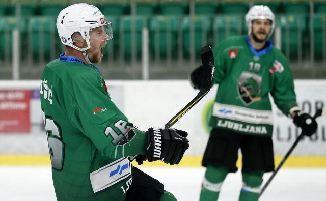 Že vrsto let Alešu Mušiču pripada zelo vidna vloga med Olimpijinimi hokejisti.FOTO: Matej Družnik/Delo