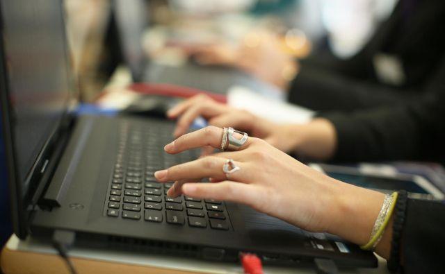 Zaradi potreb po oddaljenem dostopu je posodobljen sistem dela od doma javne uprave. Foto Jure Eržen