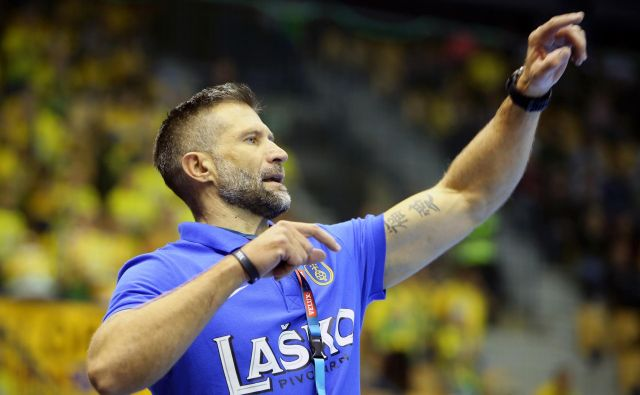 Tomaž Ocvirk je Celje popeljal v osmino finala lige prvakov, ki pa je zdaj postavljena pod vprašaj. FOTO: Jure Eržen