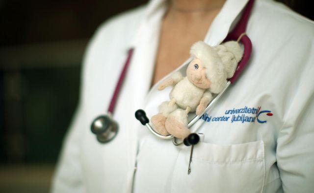 »Starši, naučite svoje otroke in mladostnike samostojnosti in previdnosti v skladu s starostjo, ker bomo na tak način uspešnejši in bo to dobra naložba za prihodnost,« pozivajo slovenski pediatri. FOTO: Jure Eržen