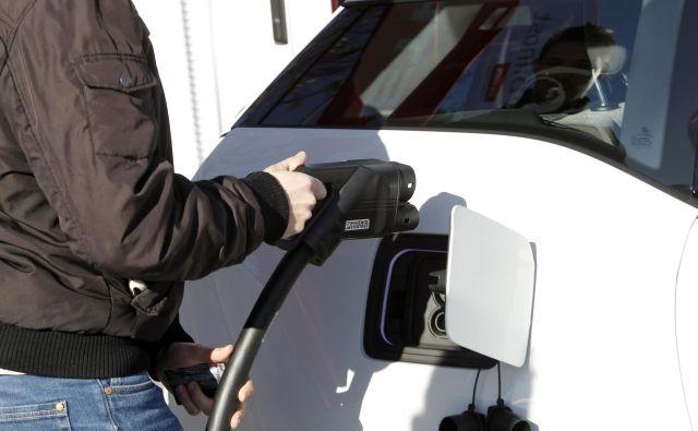 Spodbude za elektromobilnost znižuje rast povpraševanja. FOTO: Mavric Pivk/Delo