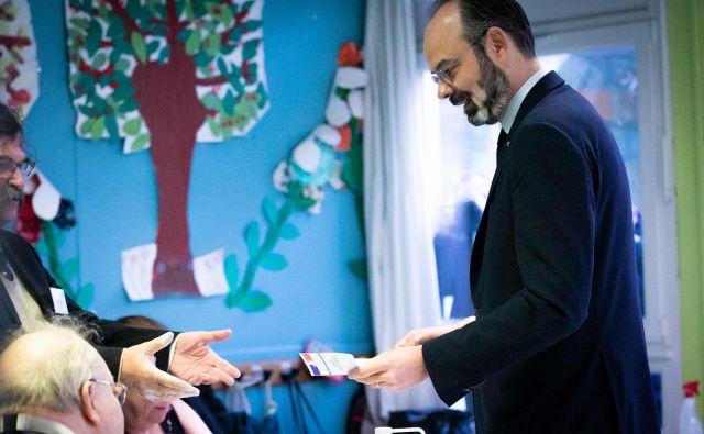 Kljub zdravstveni krizi Francozi danes na volišča.Foto: Afp