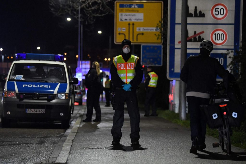 FOTO:V Španiji uvedli karanteno po zgledu Italije, Nemčija delno zapira meje