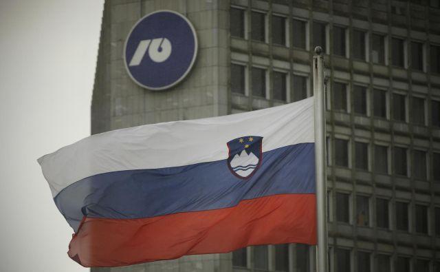 Banke želijo, da jim država pride naproti pri lajšanju posojilnih težav podjetij in državljanov. FOTO: Jure Eržen/Delo